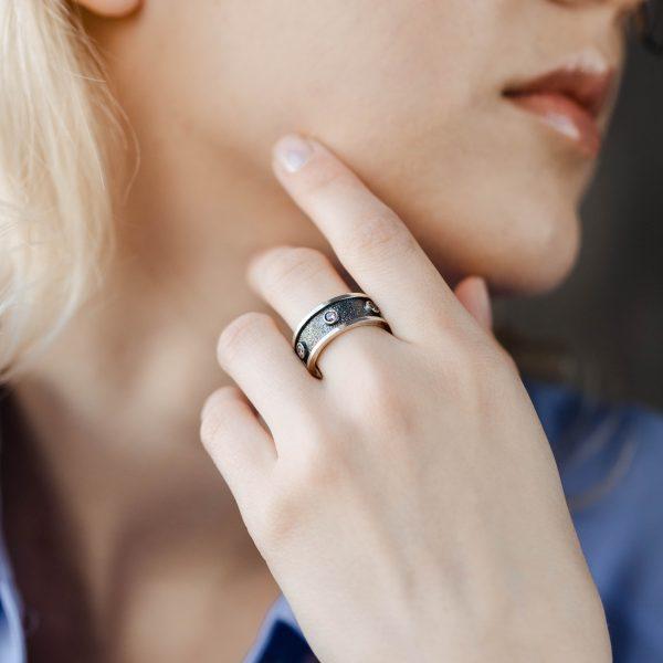 Δαχτυλίδι Ανάγλυφο Μαύρο Οξειδωμένο Ασήμι