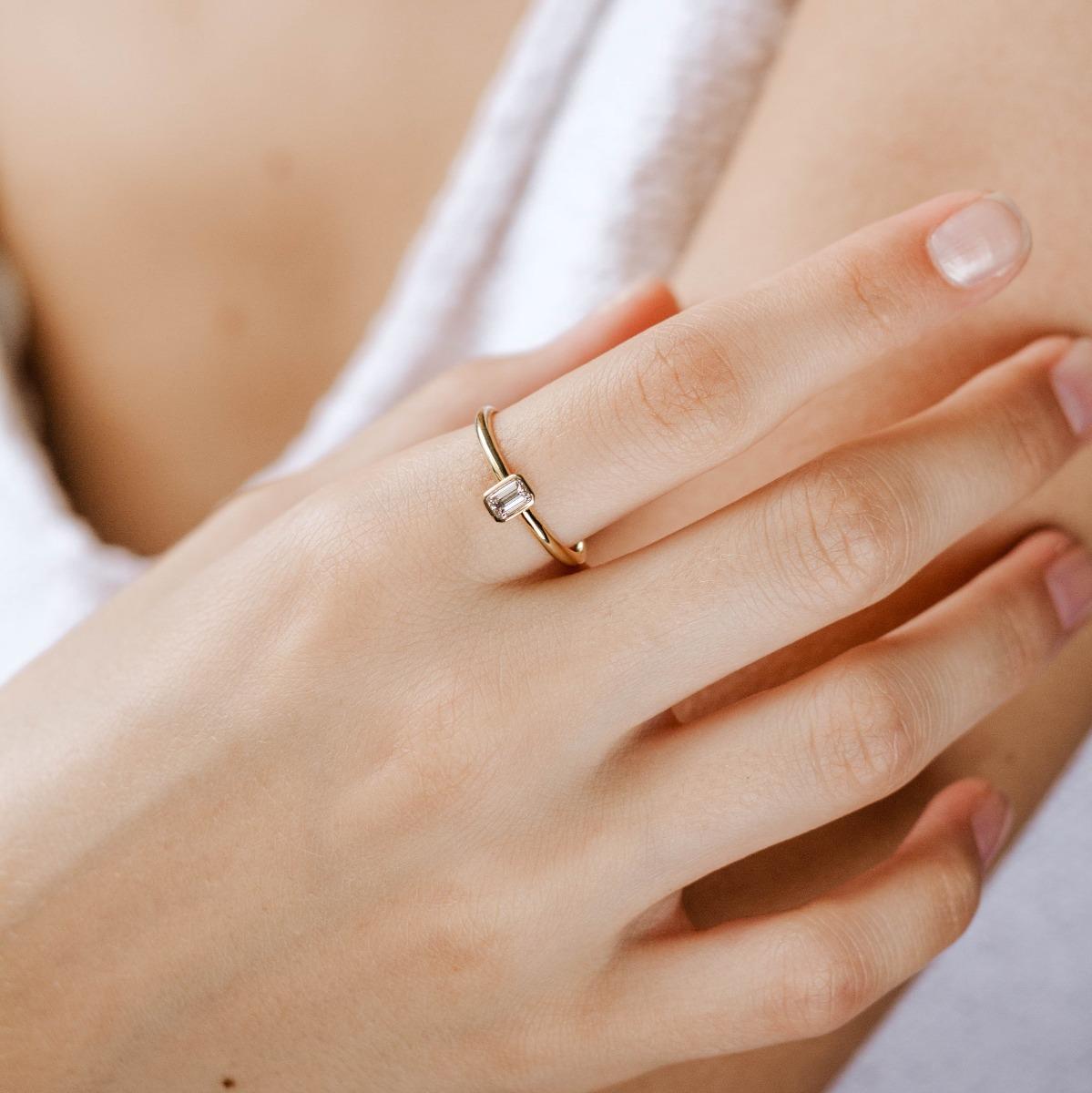 Solitaire Diamond Unique Ring 14K