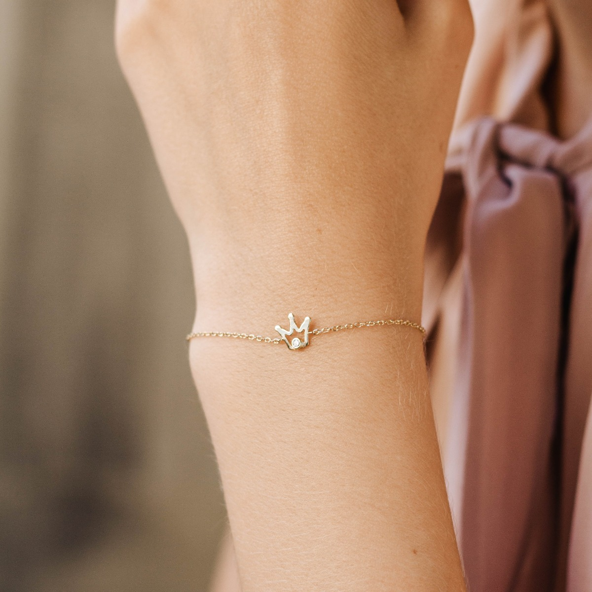 Crown Bracelet Gold