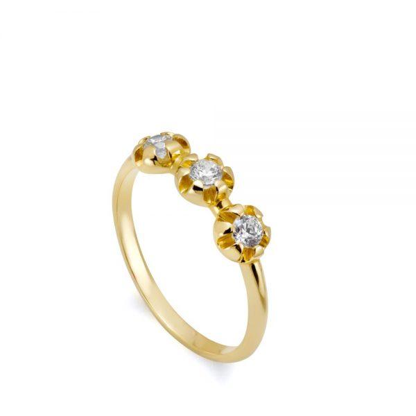 Ιδιαίτερο Δαχτυλίδι με 3 Διαμάντια