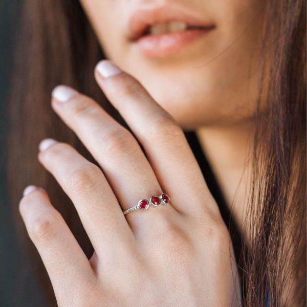 Δαχτυλίδι 3 Ρουμπίνια