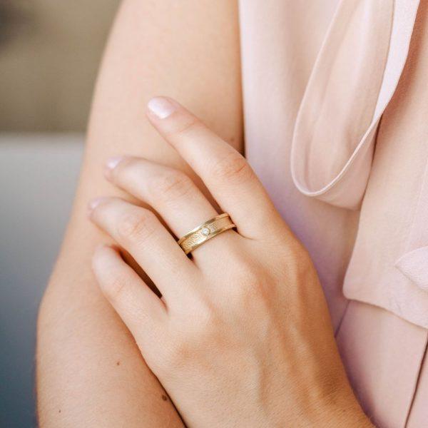Δαχτυλίδι Βέρα Ανάγλυφη -18340