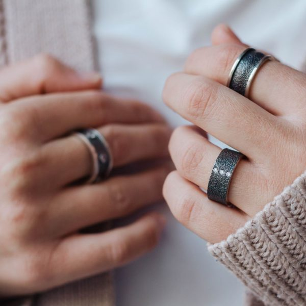Δαχτυλίδι Ανάγλυφο με Ζιργκόν Οξειδωμένο Ασήμι-19638