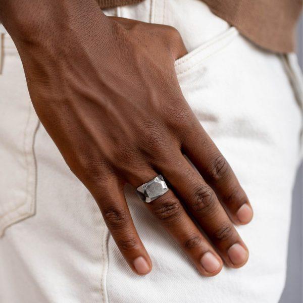 Ανδρικό Δαχτυλίδι Ανάγλυφο Οξειδωμένο
